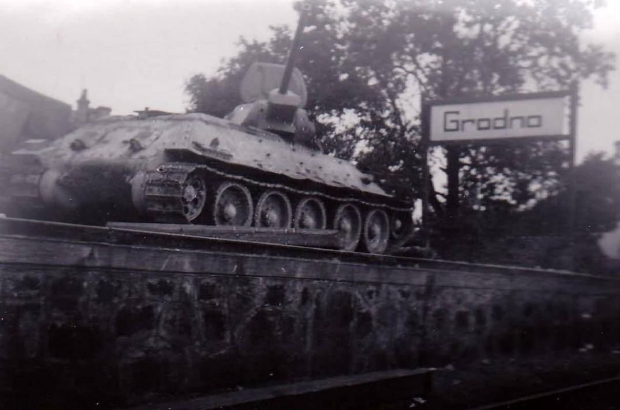 Bi mat dang sau so luong xe tang T-34 nhieu vo ke cua Lien Xo-Hinh-11