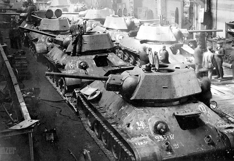Bi mat dang sau so luong xe tang T-34 nhieu vo ke cua Lien Xo-Hinh-3