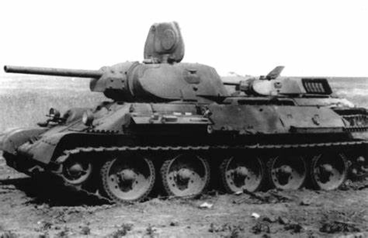 Bi mat dang sau so luong xe tang T-34 nhieu vo ke cua Lien Xo-Hinh-9