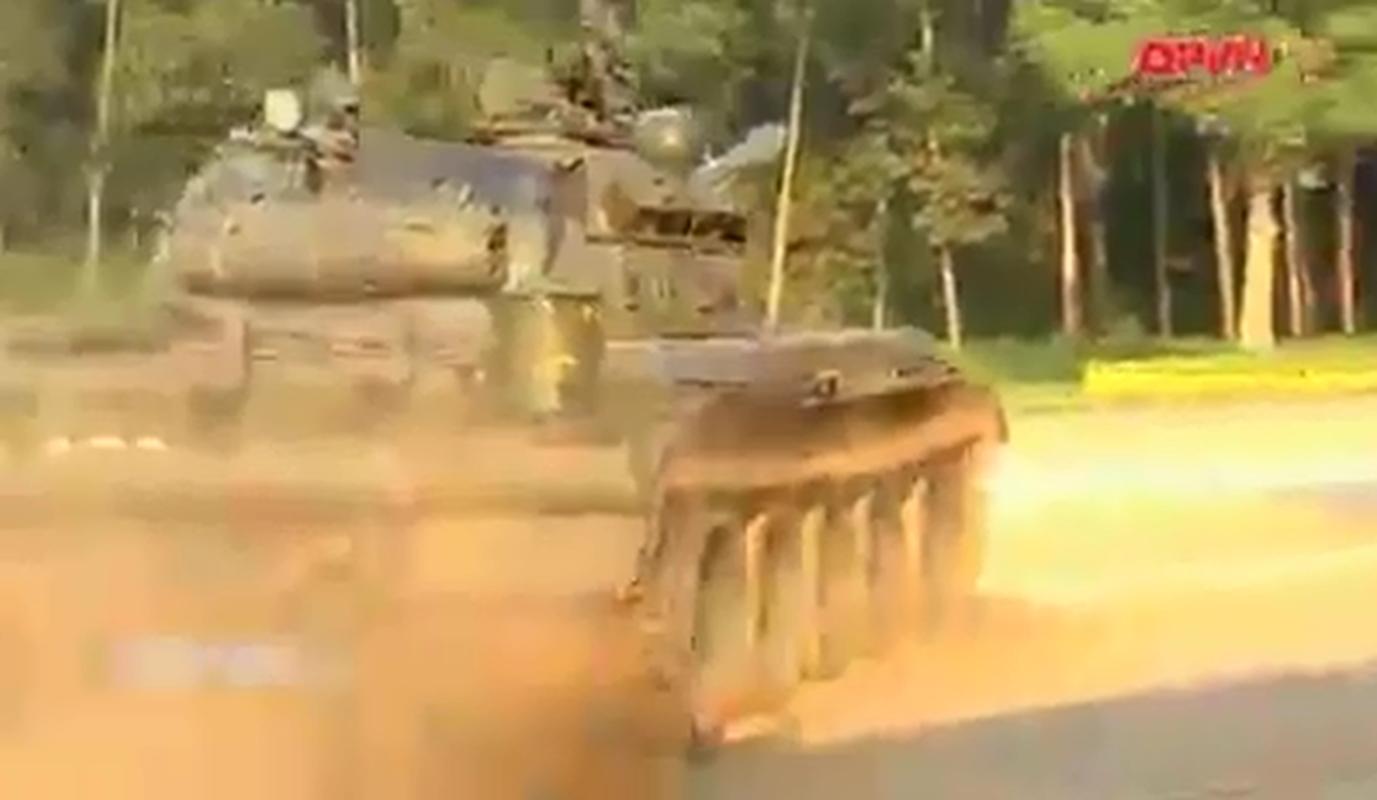 """Xem linh xe tang Viet Nam """"nau lau"""" ngay tren T-55-Hinh-6"""