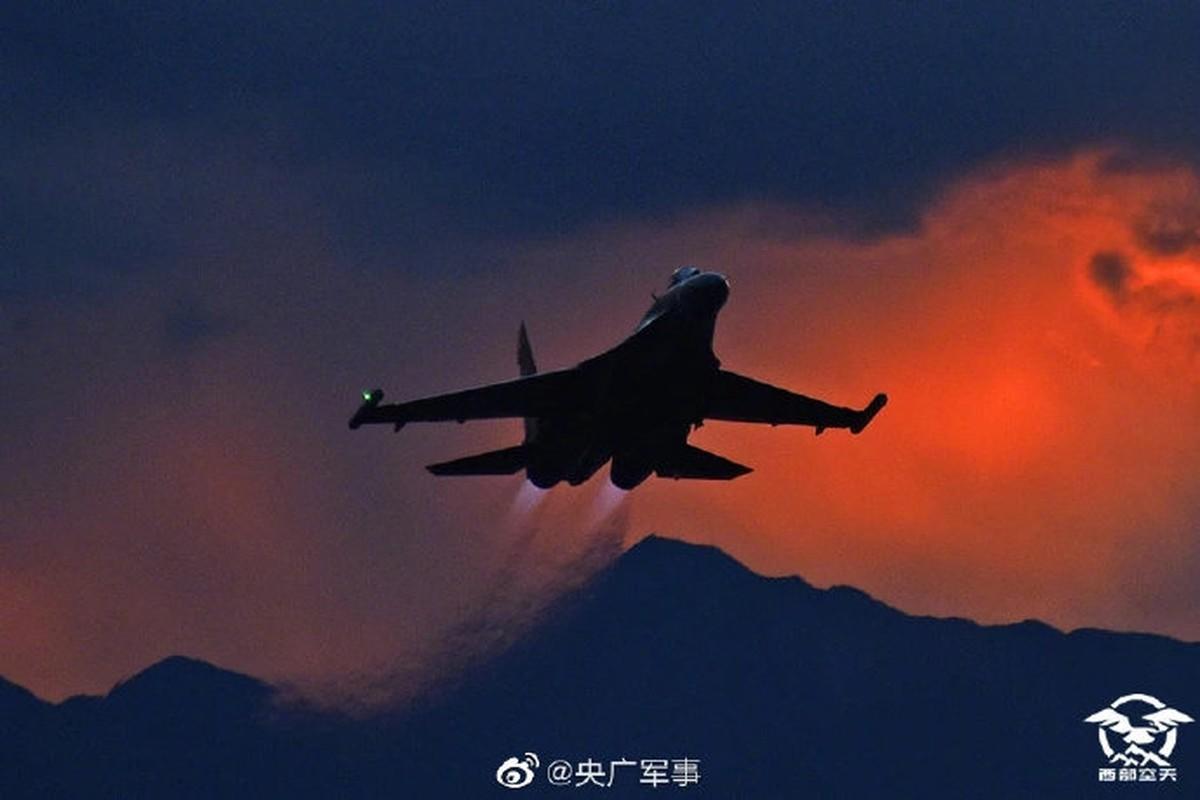 Mo dau 2021: Quan doi Trung Quoc tap tran ram ro o Tay Tang-Hinh-11