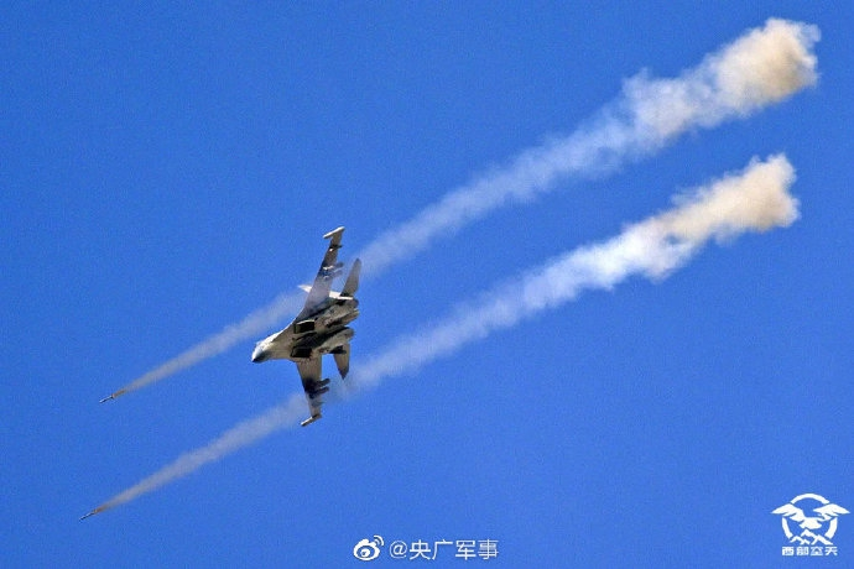 Mo dau 2021: Quan doi Trung Quoc tap tran ram ro o Tay Tang-Hinh-13