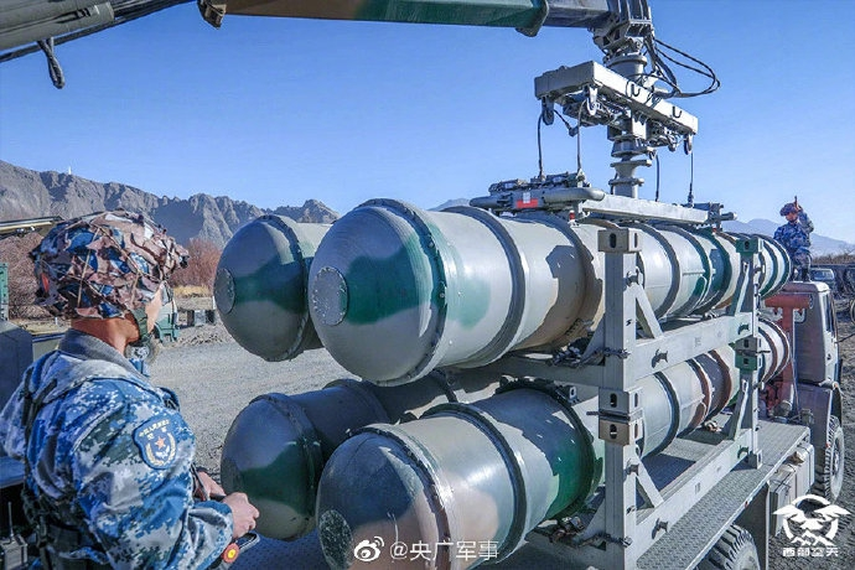 Mo dau 2021: Quan doi Trung Quoc tap tran ram ro o Tay Tang-Hinh-8