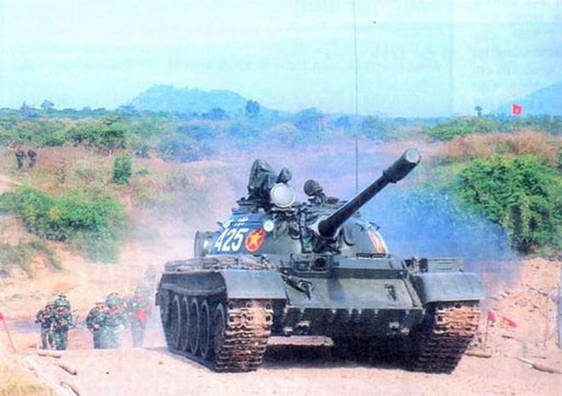 Xe tang T-55 Viet Nam can them gi de co the phong duoc ten lua?-Hinh-3
