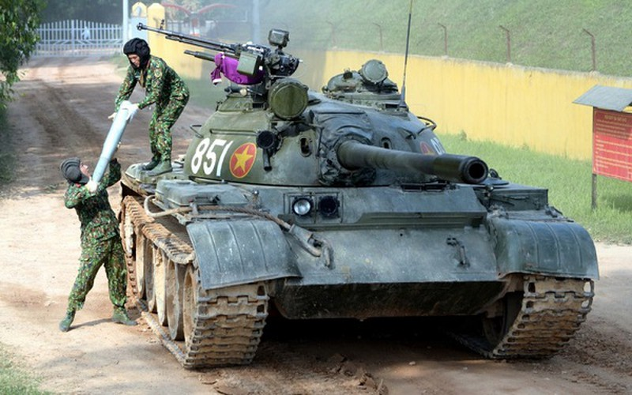 Xe tang T-55 Viet Nam can them gi de co the phong duoc ten lua?-Hinh-5