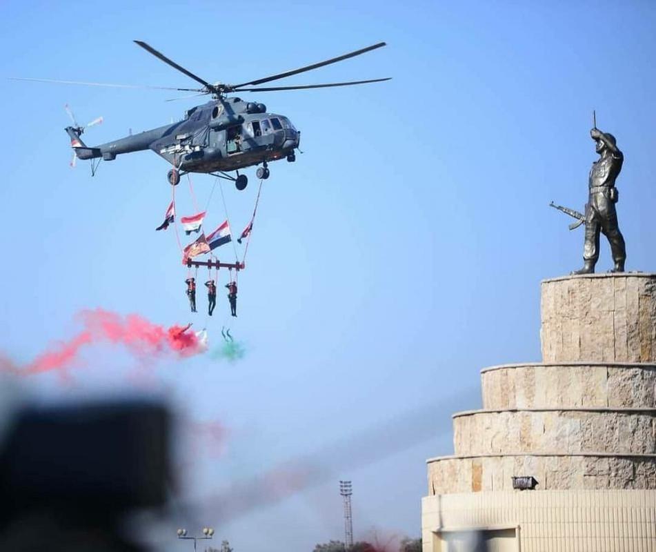 Iraq duyet binh khung ky niem 100 nam thanh lap quan doi