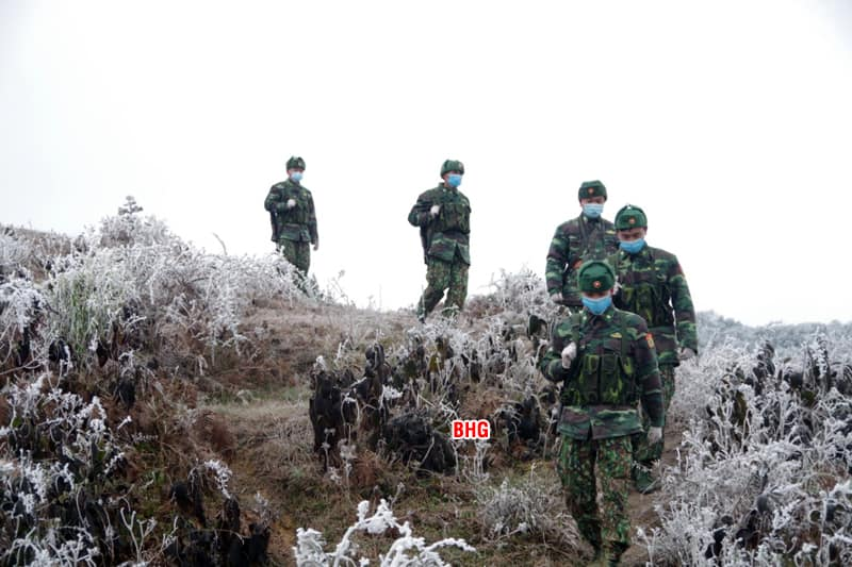 Bien phong Viet Nam cang minh giua cai lanh thau xuong mien bien gioi-Hinh-2