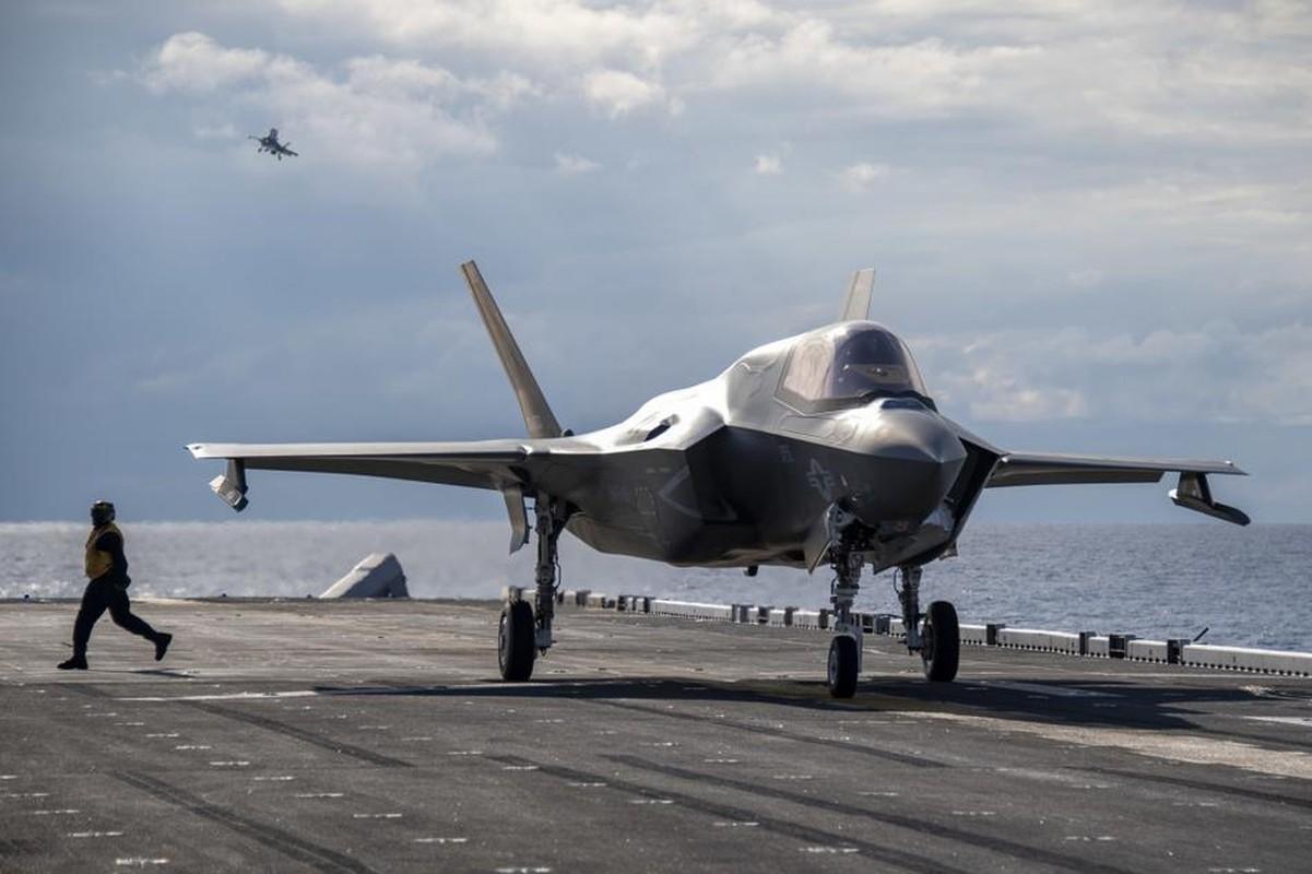 Tau do bo tan cong My cung tiem kich F-35B dien tap o bien Philippines-Hinh-7