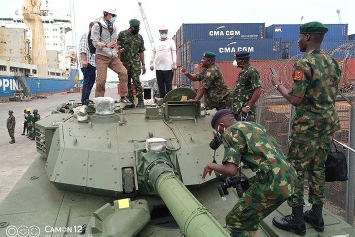 Xe tang VT4 cua Trung Quoc lan dau thuc chien o chau Phi-Hinh-5