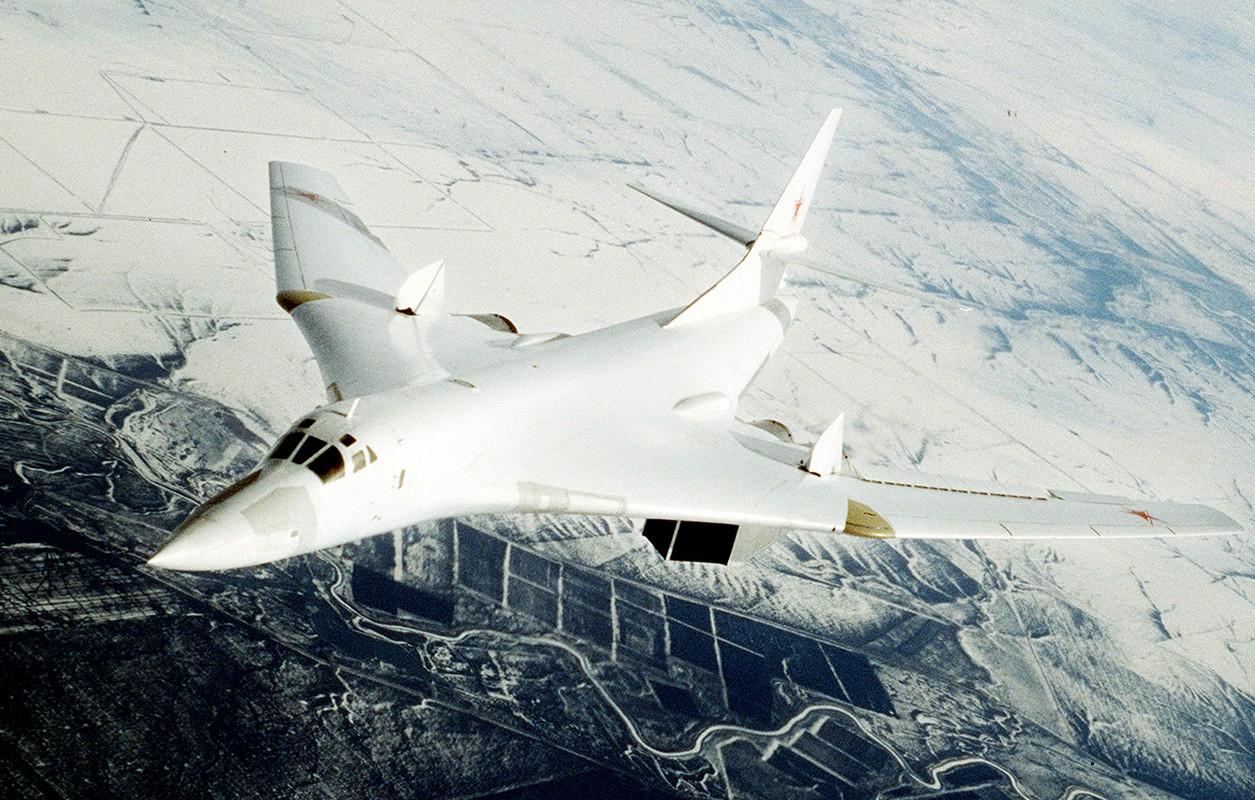 Nga lan dau lo dien may bay nem bom thay the Tu-95 va Tu-160-Hinh-11