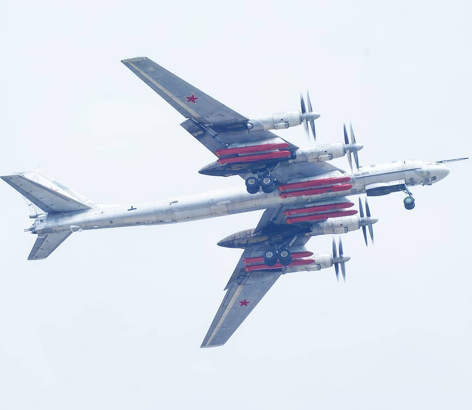 Nga lan dau lo dien may bay nem bom thay the Tu-95 va Tu-160-Hinh-14