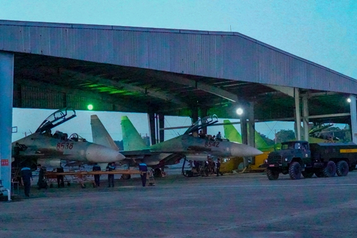 Hinh anh hiem tiem kich Su-30MK2 cua Viet Nam vuot buc tuong am thanh