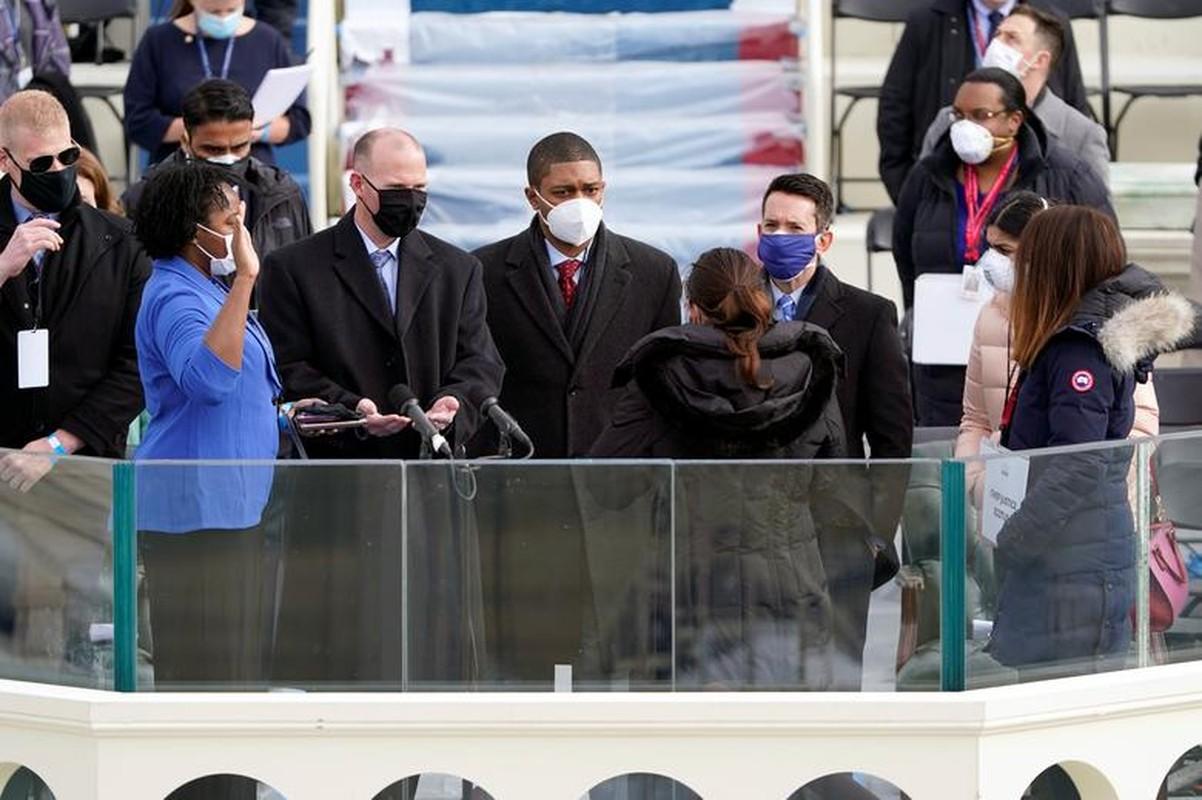 My dien tap le nham chuc cua Joe Biden ngay khi Doi Capitol con chua sua xong-Hinh-8