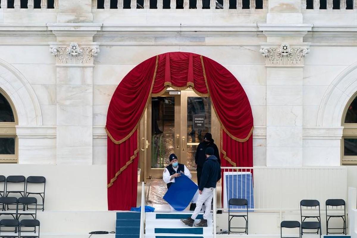 My dien tap le nham chuc cua Joe Biden ngay khi Doi Capitol con chua sua xong-Hinh-9