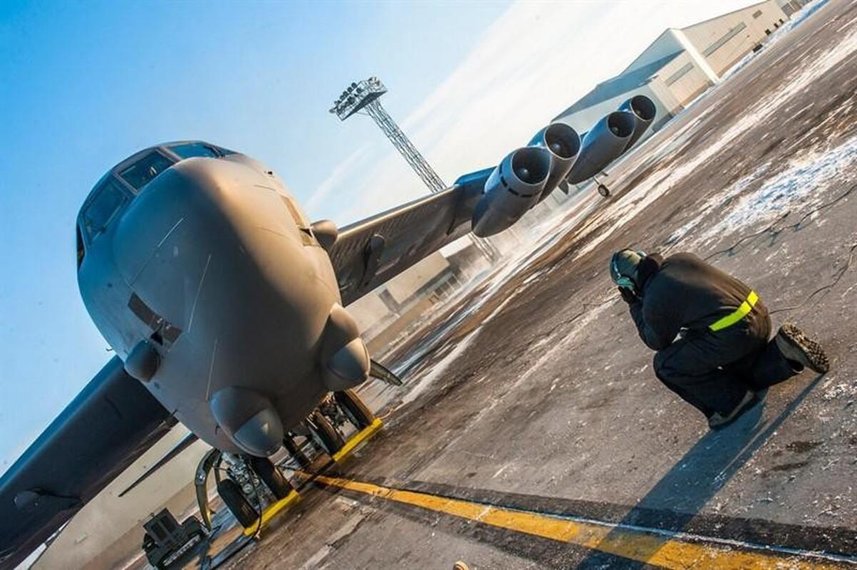 My lai tiep tuc dung Phao Dai Bay B-52H ran mat Iran-Hinh-8