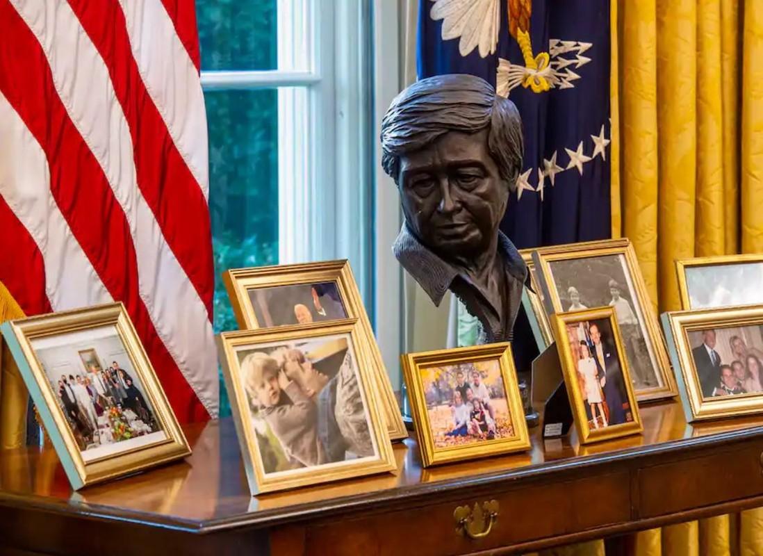 Van phong lam viec cua ong Joe Biden trong bon nam toi-Hinh-7