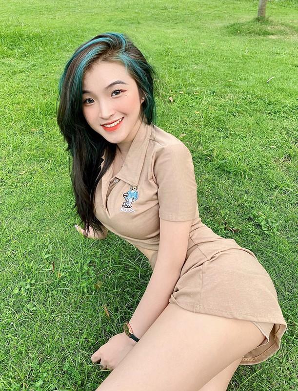 Anh doi thuong goi cam cua nu sinh noi tieng vi mac ao dai qua dep-Hinh-9