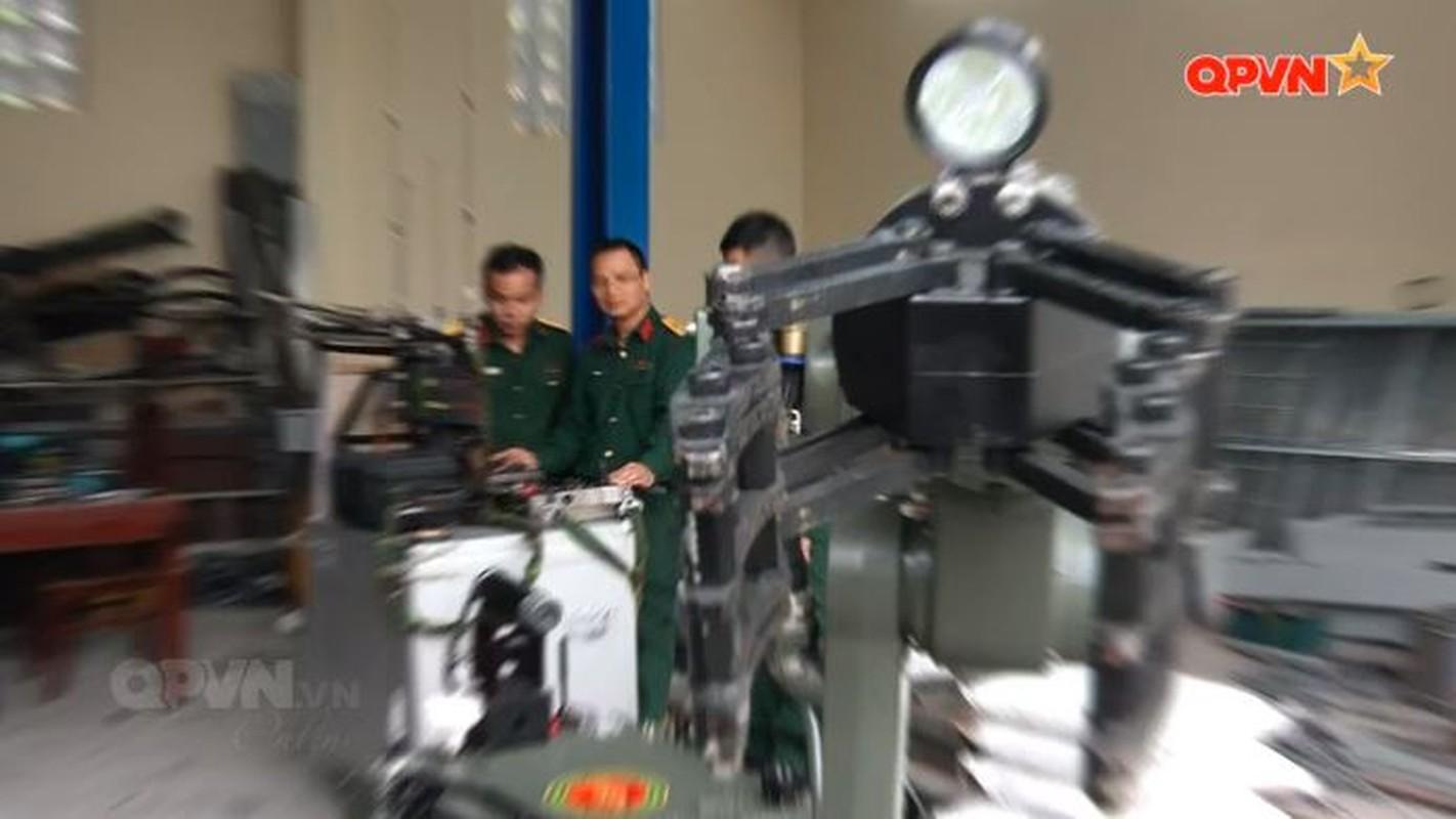 Robot trinh sat phong xa va hoa hoc RBH-18 do Viet Nam tu phat trien-Hinh-10