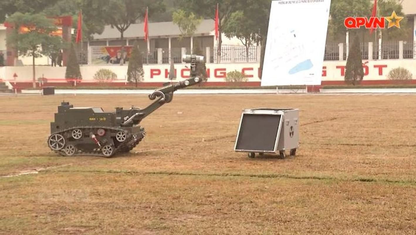 Robot trinh sat phong xa va hoa hoc RBH-18 do Viet Nam tu phat trien-Hinh-14