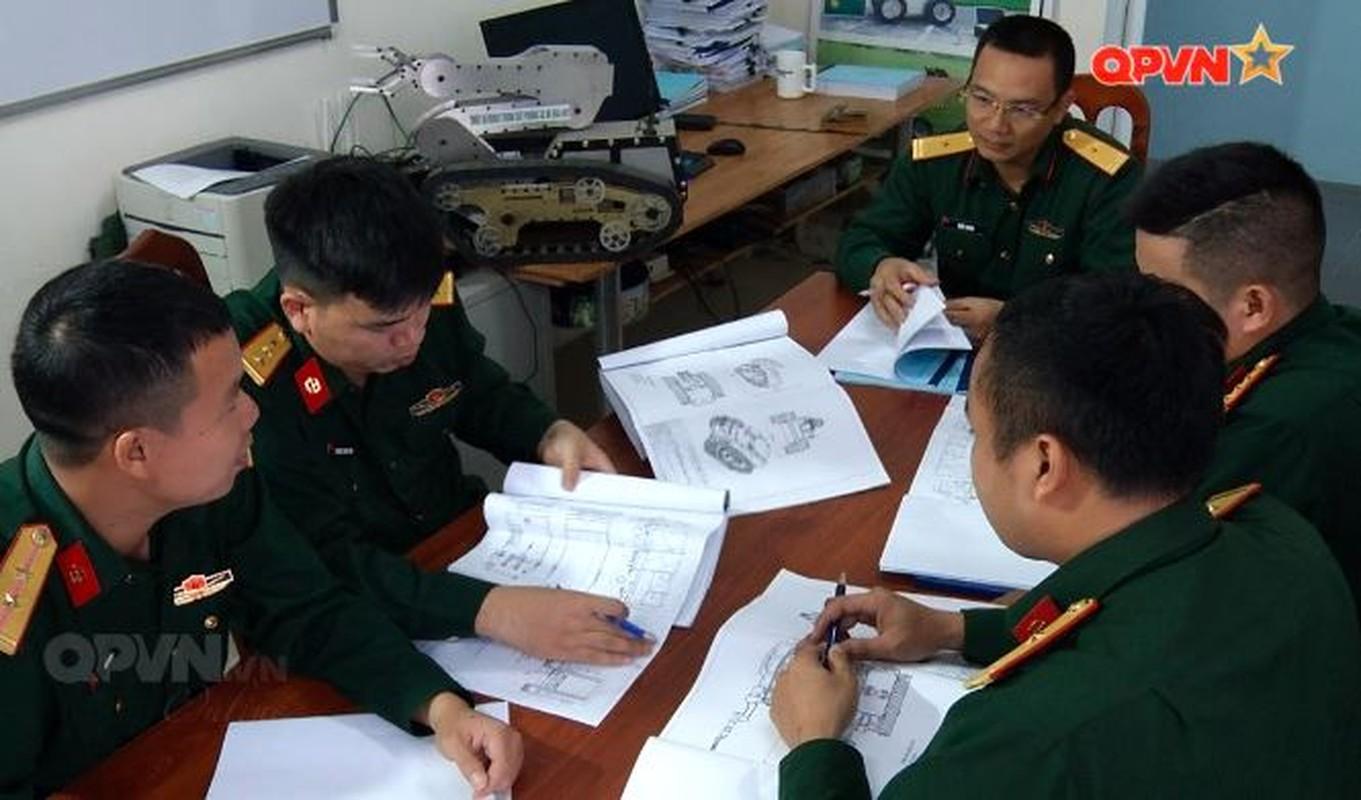 Robot trinh sat phong xa va hoa hoc RBH-18 do Viet Nam tu phat trien-Hinh-2