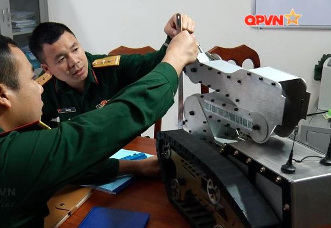 Robot trinh sat phong xa va hoa hoc RBH-18 do Viet Nam tu phat trien-Hinh-4