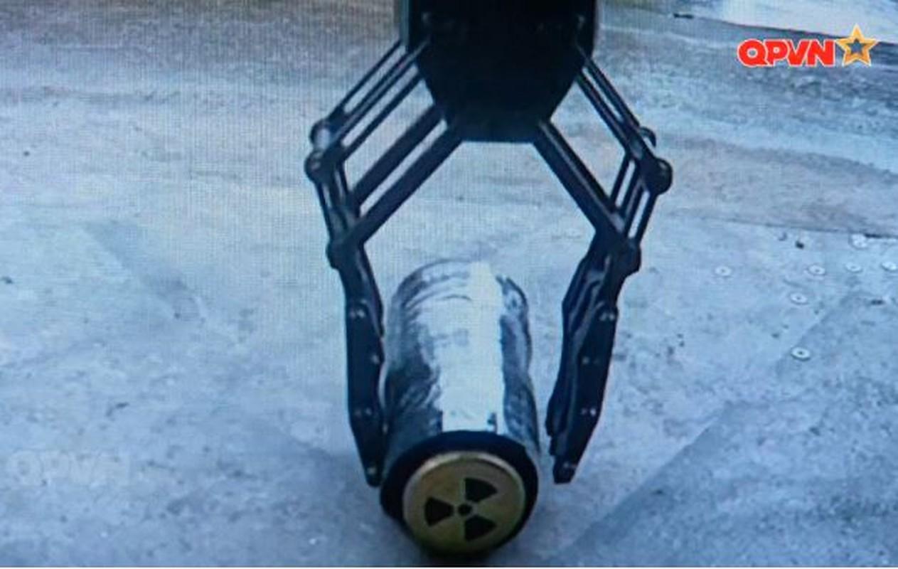 Robot trinh sat phong xa va hoa hoc RBH-18 do Viet Nam tu phat trien-Hinh-8