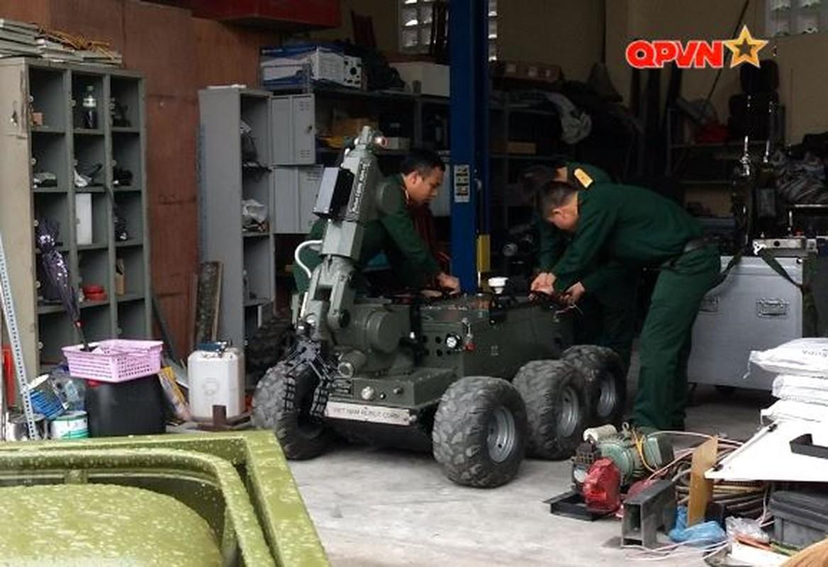 Robot trinh sat phong xa va hoa hoc RBH-18 do Viet Nam tu phat trien-Hinh-9