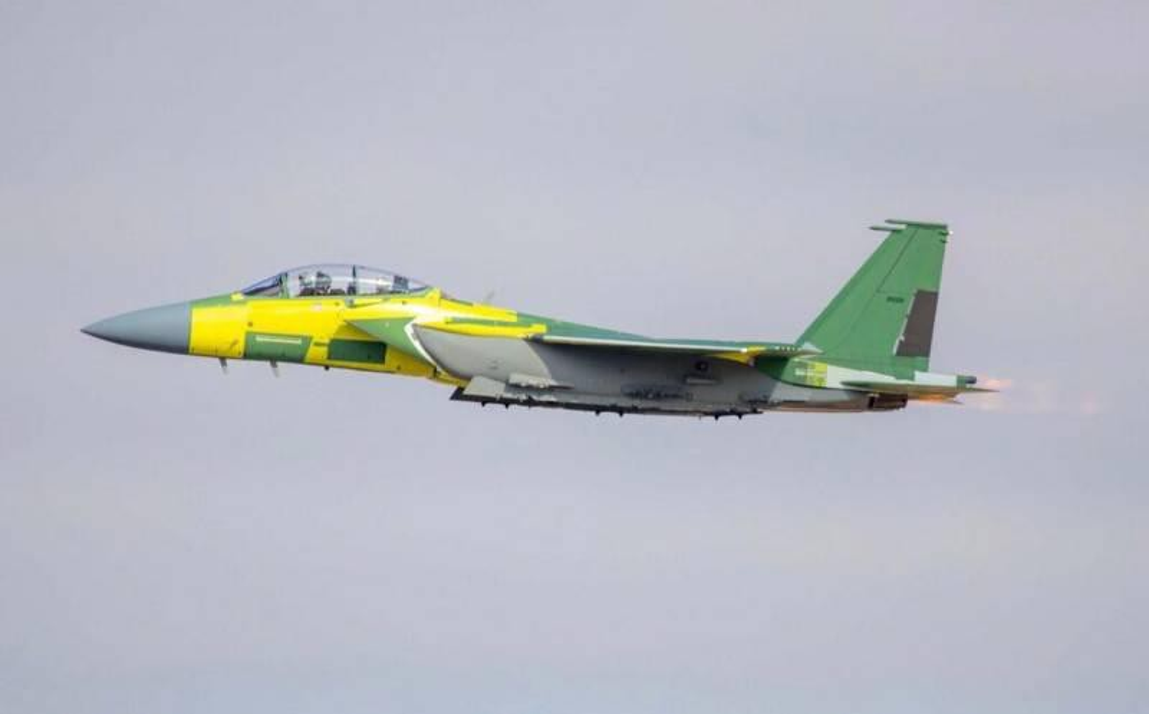 Khac tinh cua tiem kich - bom Su-34: Khong tuong dong cung tuong duong!-Hinh-12