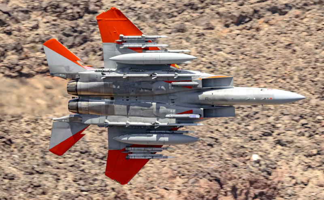 Khac tinh cua tiem kich - bom Su-34: Khong tuong dong cung tuong duong!-Hinh-14