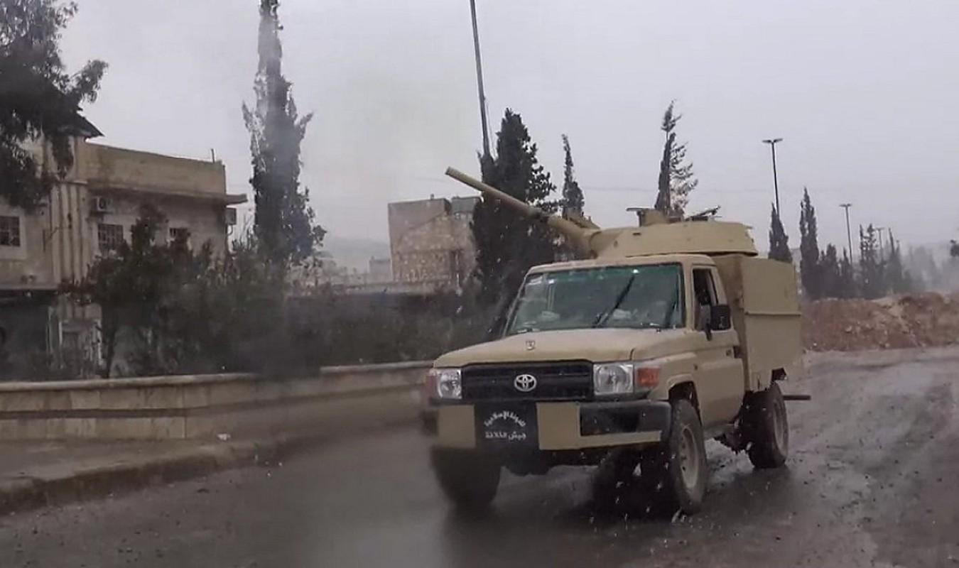 Chien truong Syria: Gan thap phao BMP-1 gan tren thung xe ban tai-Hinh-12