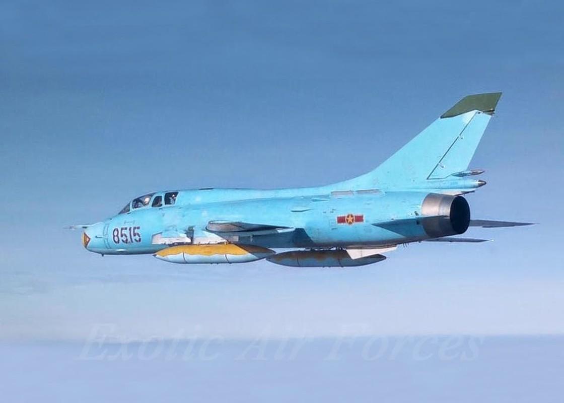 Man nhan voi bien doi bon chiec tiem kich - bom Su-22 Viet Nam-Hinh-11
