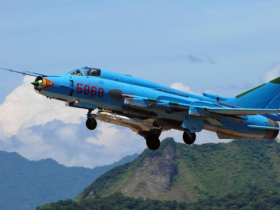 Man nhan voi bien doi bon chiec tiem kich - bom Su-22 Viet Nam-Hinh-14