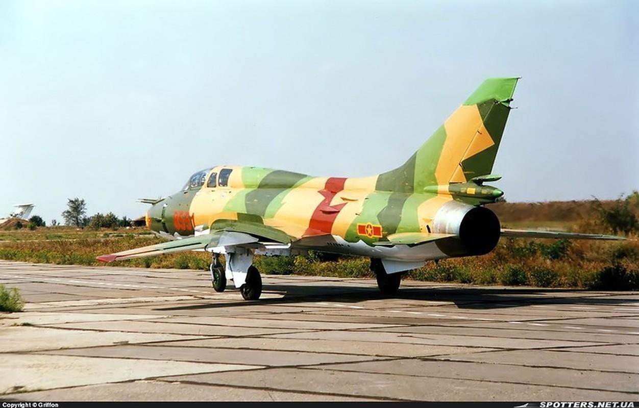 Man nhan voi bien doi bon chiec tiem kich - bom Su-22 Viet Nam-Hinh-16