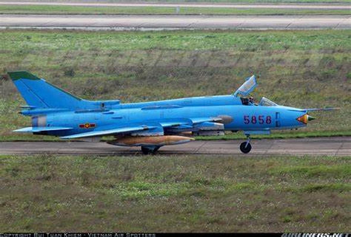 Man nhan voi bien doi bon chiec tiem kich - bom Su-22 Viet Nam-Hinh-6