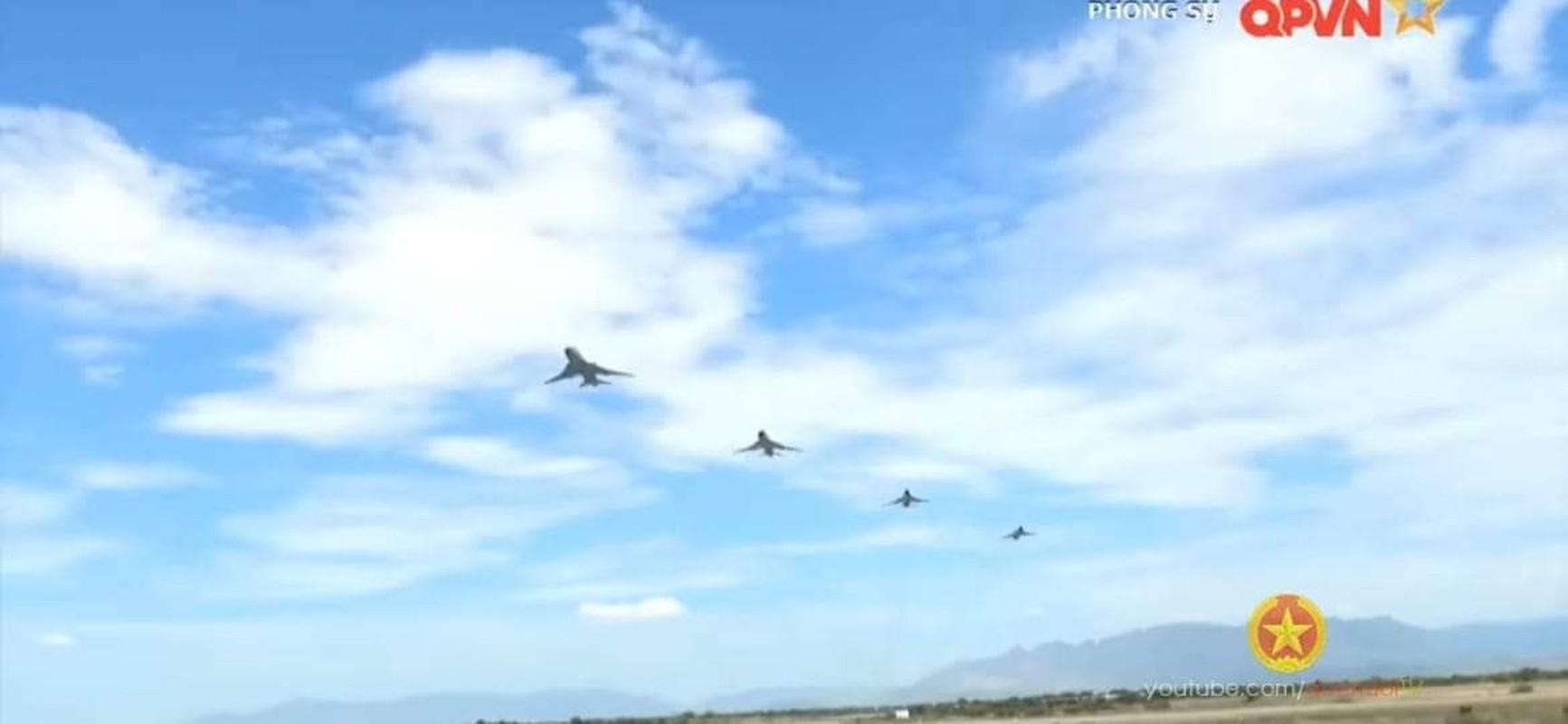 Man nhan voi bien doi bon chiec tiem kich - bom Su-22 Viet Nam