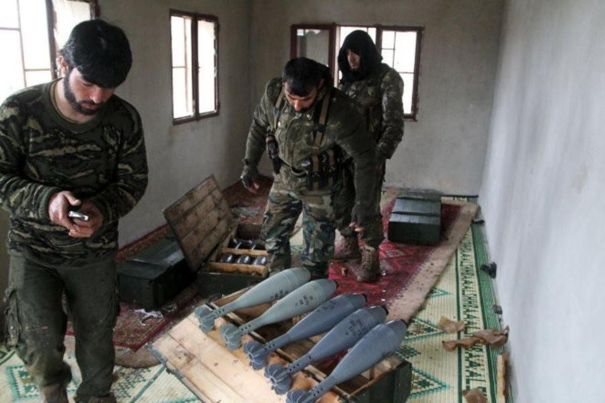 Khong quan Nga tiep tuc doi bao lua xuong dau khung bo o Syria-Hinh-9