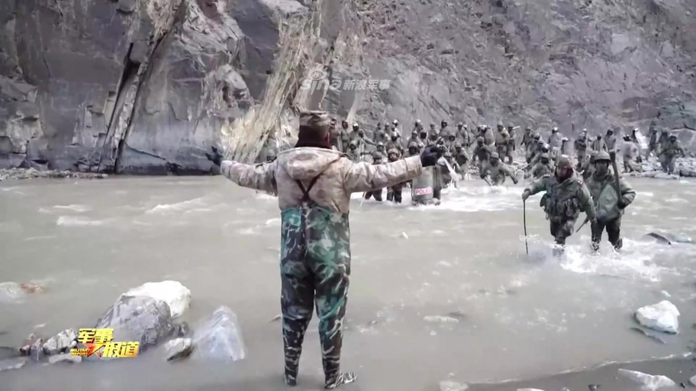 CCTV tung clip linh Trung Quoc dau tay doi voi An Do o bien gioi-Hinh-3