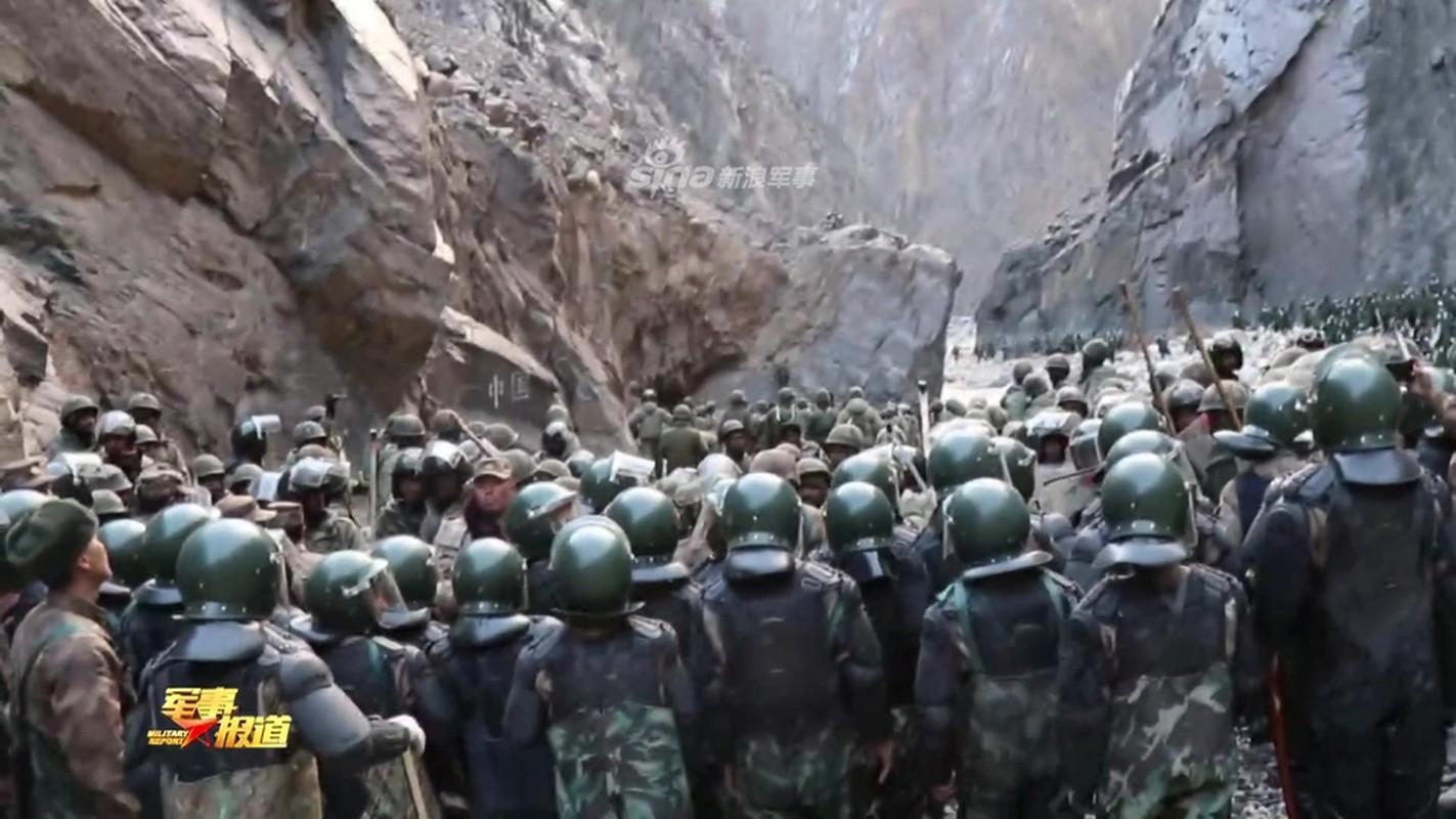 CCTV tung clip linh Trung Quoc dau tay doi voi An Do o bien gioi-Hinh-6