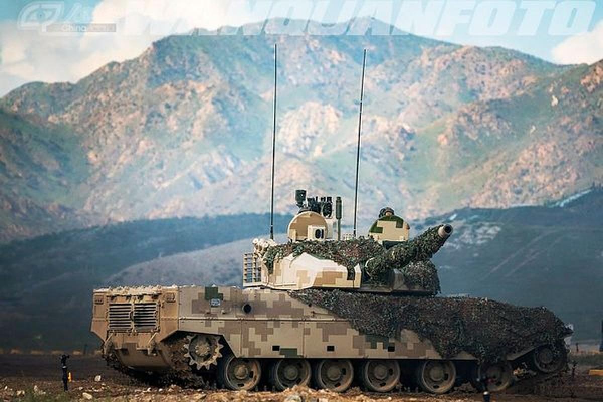Xe tang T-15 cua Trung Quoc leo nui cuc khoe, An Do hay coi chung!-Hinh-11