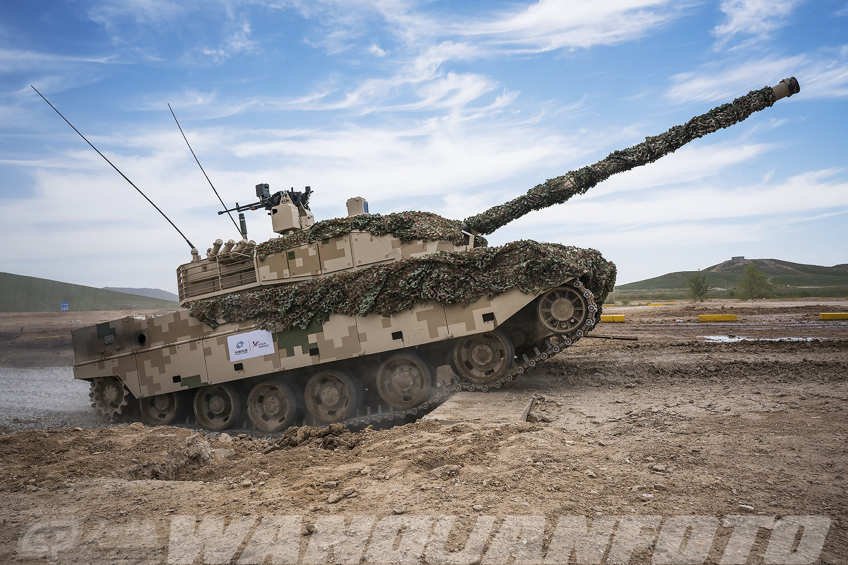 Xe tang T-15 cua Trung Quoc leo nui cuc khoe, An Do hay coi chung!-Hinh-14