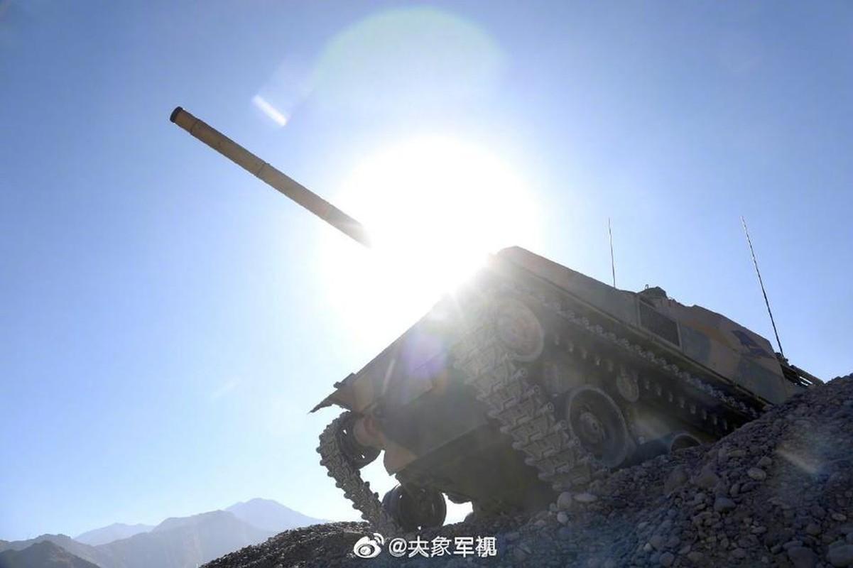 Xe tang T-15 cua Trung Quoc leo nui cuc khoe, An Do hay coi chung!-Hinh-3
