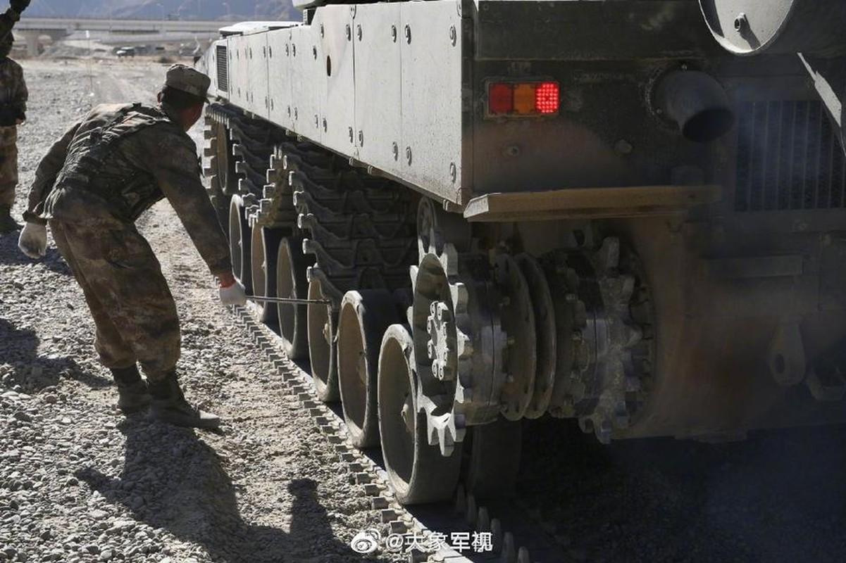 Xe tang T-15 cua Trung Quoc leo nui cuc khoe, An Do hay coi chung!-Hinh-5