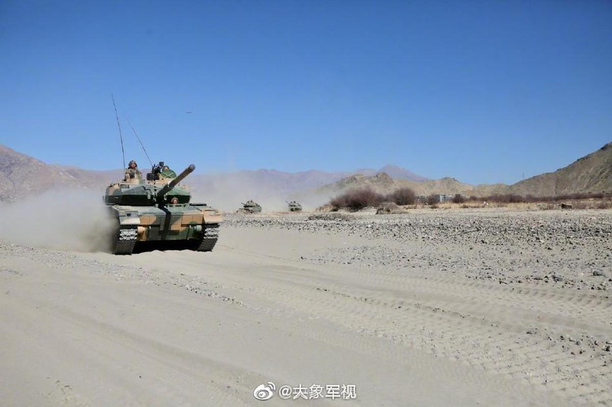 Xe tang T-15 cua Trung Quoc leo nui cuc khoe, An Do hay coi chung!-Hinh-8