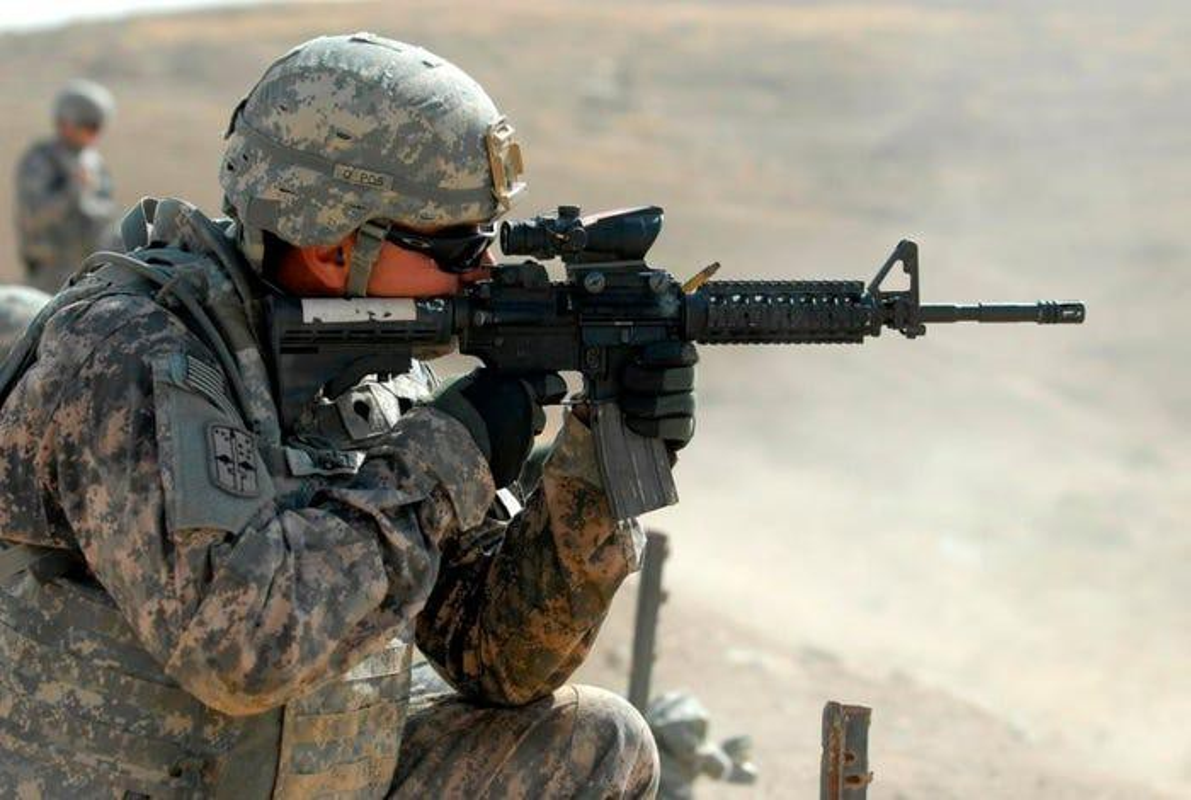 Khau sung dong nhat trong Quan doi My, sanh ngang AK-74 cua Nga-Hinh-15