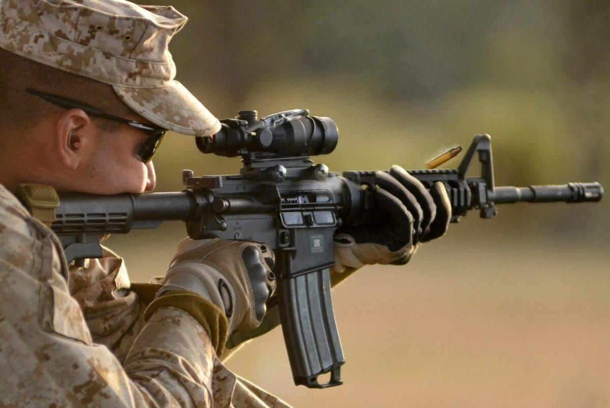Khau sung dong nhat trong Quan doi My, sanh ngang AK-74 cua Nga-Hinh-2
