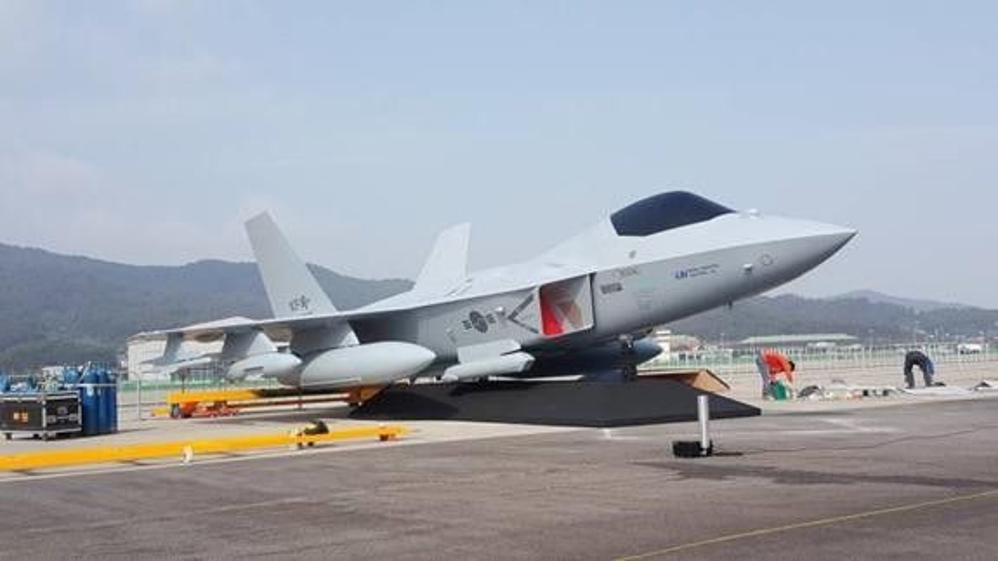 Tiem kich tang hinh Han Quoc: Dua con roi cua F-22 Raptor My-Hinh-8