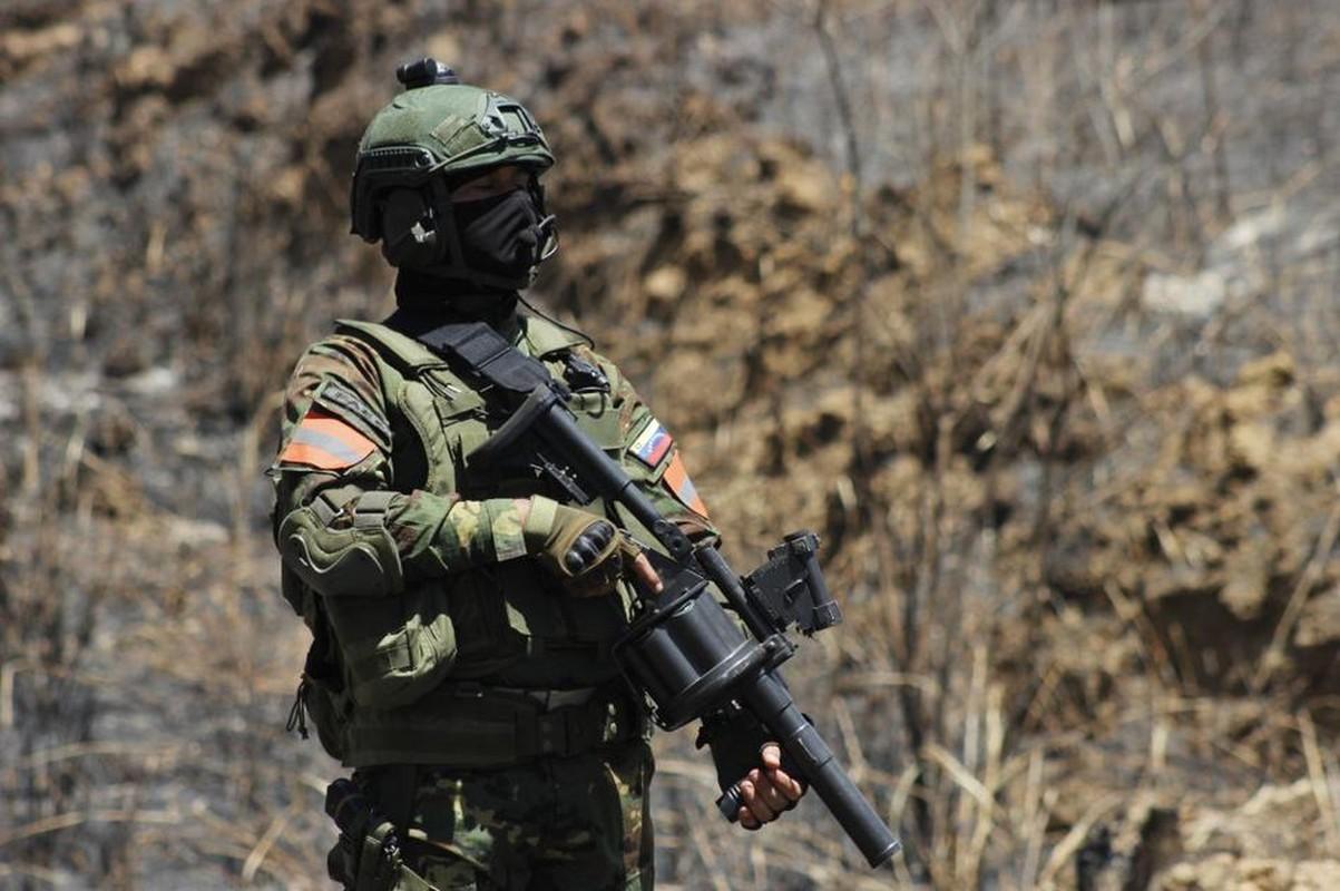Quan doi Venezuela tap tran khung, khoe dan vu khi xin nhat Nam My-Hinh-12