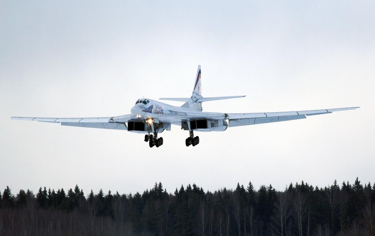 Tu-160 cua Nga duoc trang bi dong co moi voi uy luc gap boi-Hinh-12