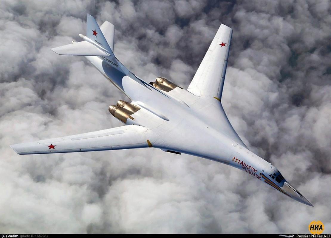 Tu-160 cua Nga duoc trang bi dong co moi voi uy luc gap boi-Hinh-14
