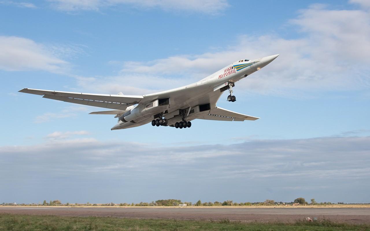 Tu-160 cua Nga duoc trang bi dong co moi voi uy luc gap boi-Hinh-5